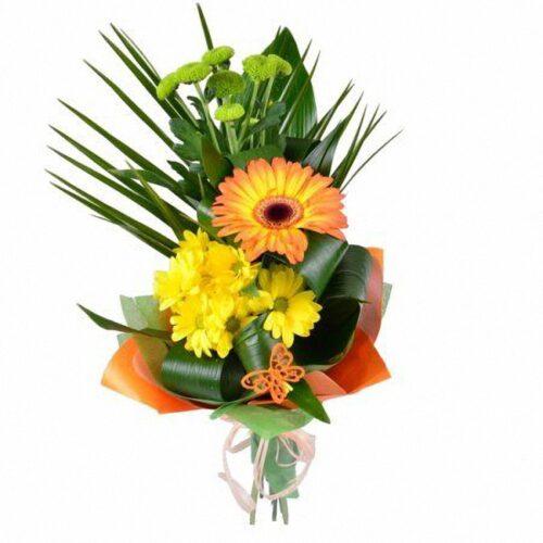 1 гербера, 2 хризантемы, зелень