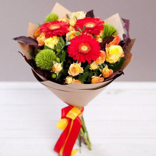 9000тг;3 герберы, 3 гвоздики, 3 кустовые розы