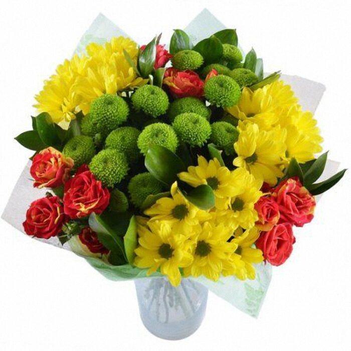 8000тг; 5 веток хризантем, 3 кустовые розы, зелень