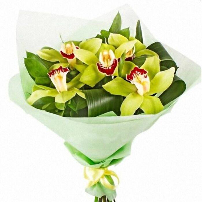 7000тг; 5 орхидей, зелень