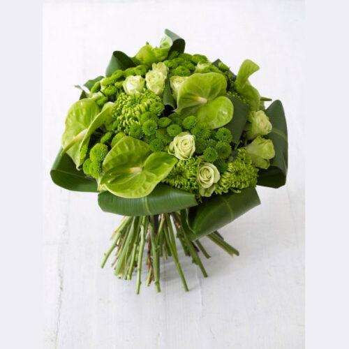 5 антуриумов, 5 кустовых хризантем, 5 кустовых роз, 5 одноголовых хризантем, аспедистры