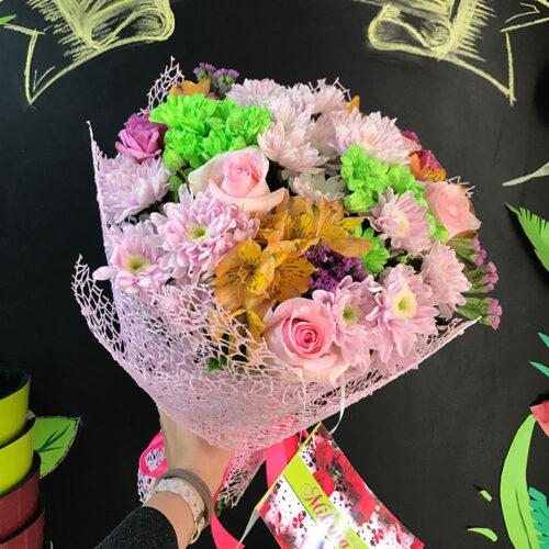 7 хризантем, 5 роз, 4 альстромерии