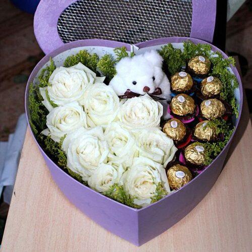 9 роз,мишка, 9 конфет, зелень